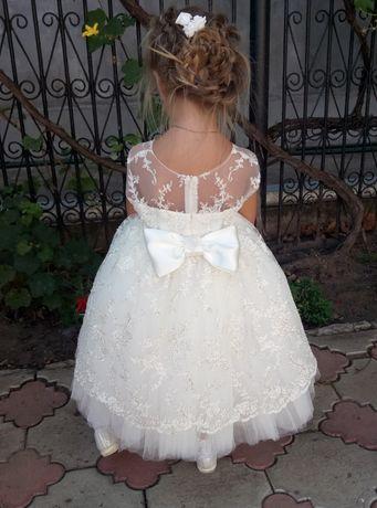 Нарядное платье рост 104-110