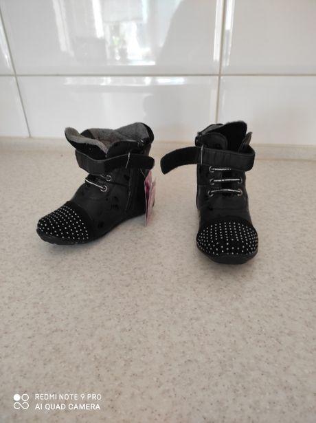 новые демисезонные ботиночки для девочки размер 27 стелька 16,5 см
