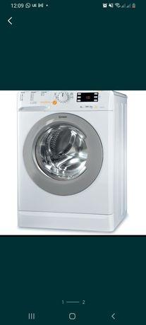 Máquina de Lavar e Secar Roupa - INDESIT