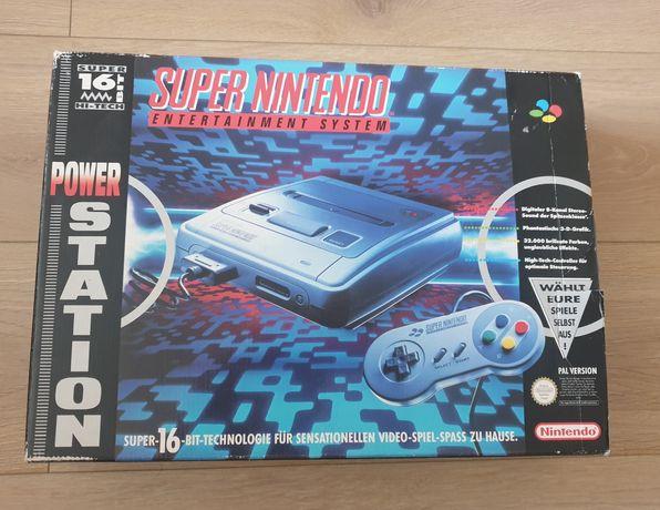 Super Nintendo (SNES) komplet, box, rewelacyjny stan.