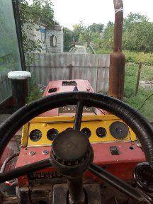 Трактор ЮМЗ 6 дм