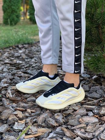 Кроссовки Adidas Yezzy Boost v3
