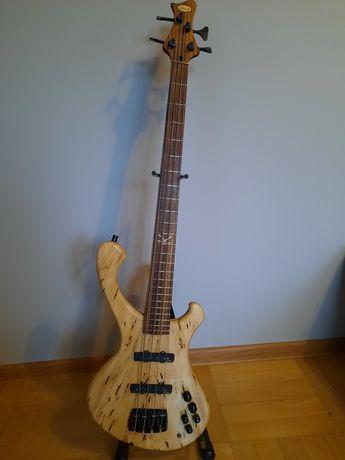 Gitara Basowa STRADI