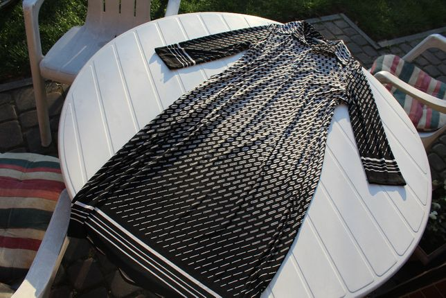 dzianinowa wzorzysta sukienka rozm 38 uk10 czarno-biała