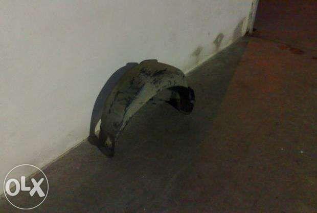 Resguardo de cave de roda de tras esquerdo Seat Ibiza