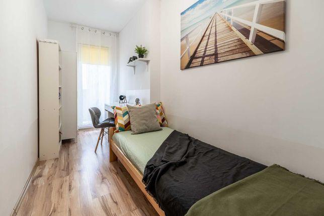 Jasny i komfortowy pokój z balkonem przy UE oraz Al.Roździeńskiego