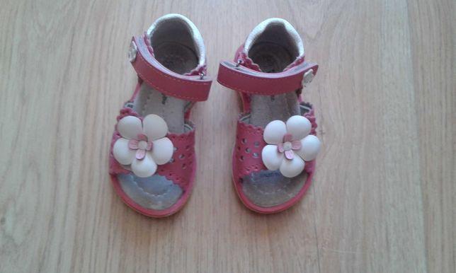 Sandałki dla dziewczynki Wojtyłko rozm. 20
