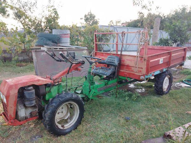 Motocultivadora agrícola