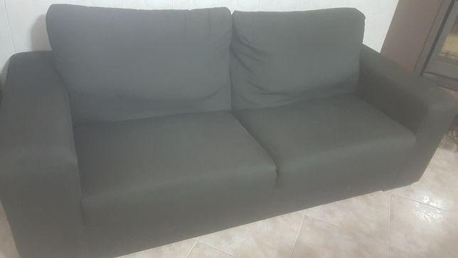 Sofá em tecido preto em bom estado