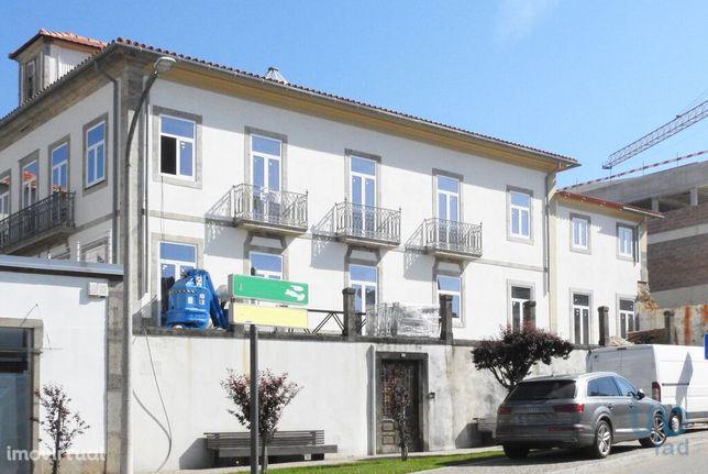 Apartamento - 230 m² - T3