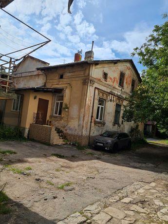 Продаж 1/2 особняку в дворику на вул. Головацького, м. Львів