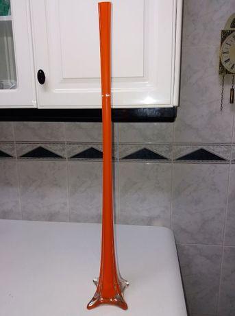 Jarra alta em vidro com 80cm côr-de-laranja
