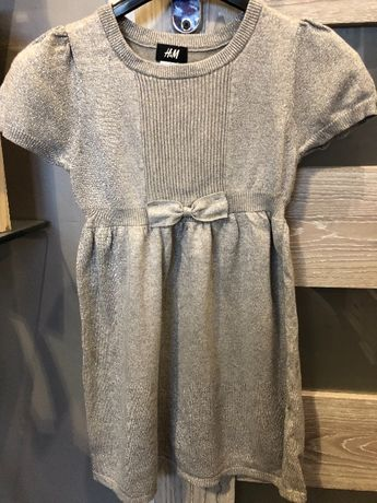 H&M dzianinowy sukienka srebrna nitka 110/116