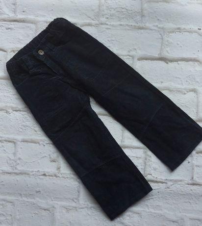 Granatowe spodnie sztruksowa 104