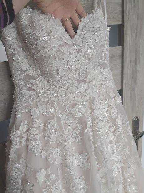 Suknia ślubna 40,42,44 wzrost 180cm