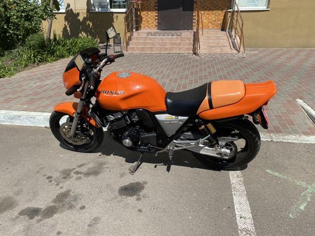 Продам Honda CB400
