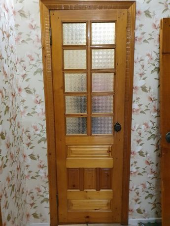 Двери деревянные с коробкой вместе есть разные размеры
