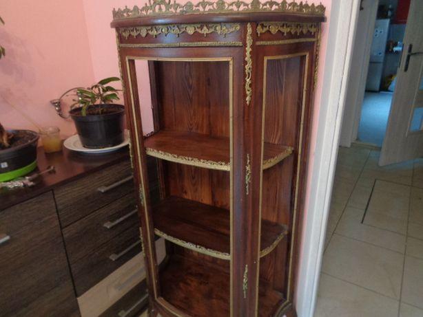 szafka witryna drewno orzechowe piękna brak szyb
