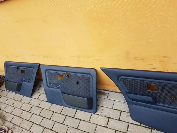 Niebieskie boczki e30 sedan pepitka