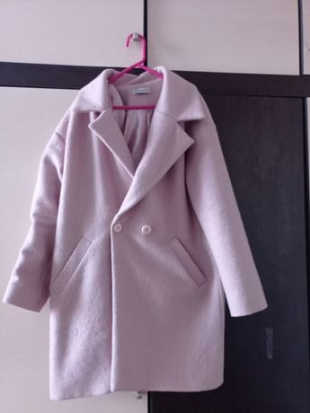 Пальто ніжно-пудрового кольору