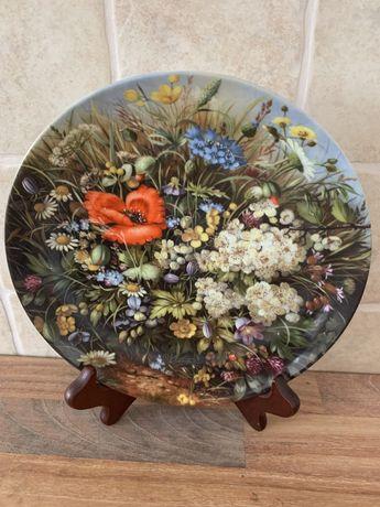 """Винтаж: Фарфорвые тарелки-коллекция """"Лесовые цветы"""""""