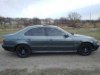 Продам автомобиль BMW 5S