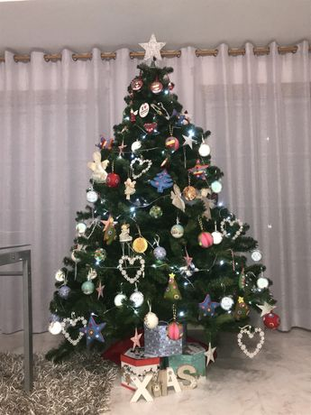 Árvore de Natal com 2,10m de altura
