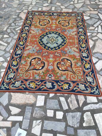 Carpete de Arraiolos 310cm x 200cm