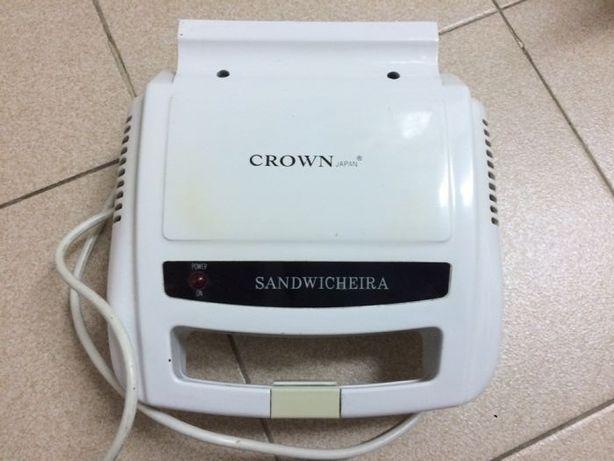 Sandwicheira Crown