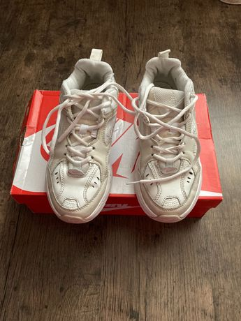 Продам кроссовки Nike р 36 в отличном состоянии.