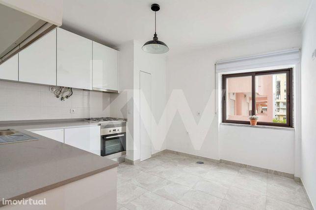 Apartamento T2 remodelado para arrendar | Cova da Piedade - Almada - S