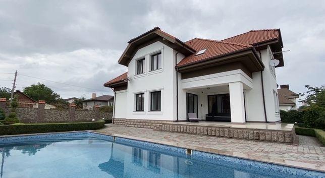 Будинок в топовій локації,  вул. Буковинська. Сучасна класика.