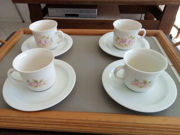 Serviço de porcelana de 4 chávenas de café
