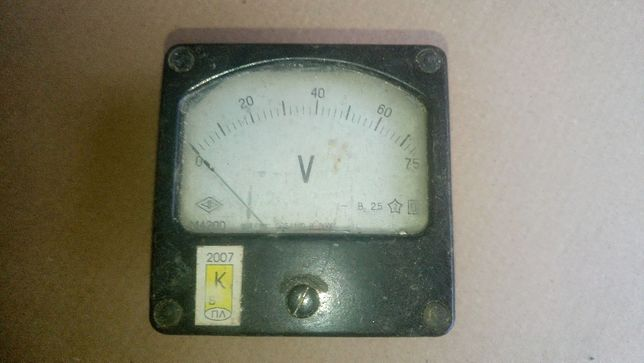 Прибор головка вольтметр стрелочный 0-75 производство СССР