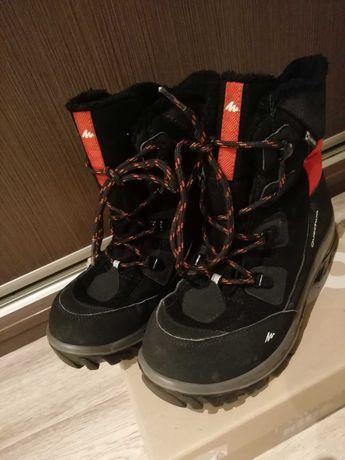 Ocieplane buty chłopięce Decatlon roz. 36