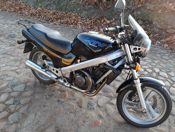 Honda NTV 650  A2