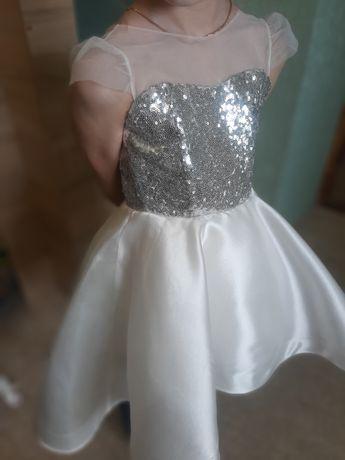 Платье для девочки новогоднее