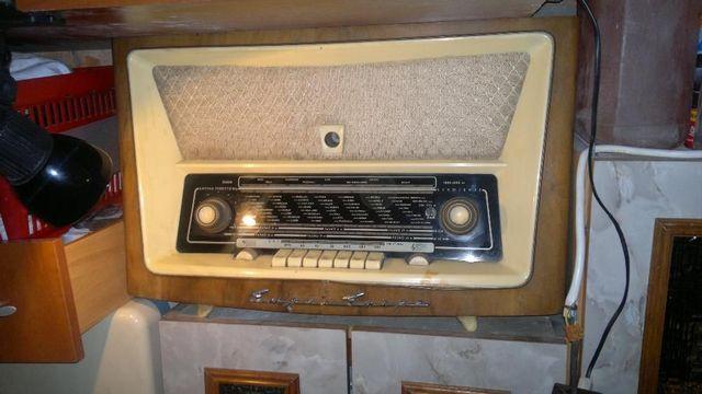 zabytkowe radio lampowe