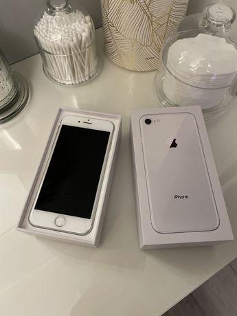 iPhone 8 uszkodzony
