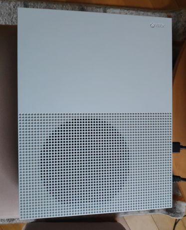 Xbox One S 500GB + Cyberpunk
