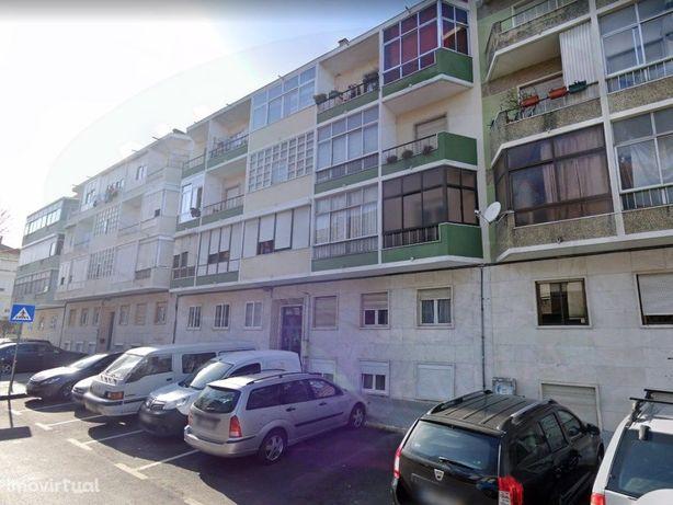 Magnifico apartamento T3 , totalmente remodelado , Damaia