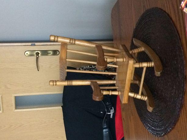 Ozdobne krzesło drewniane
