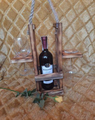 Stojak drewniany na wino