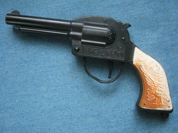 Игрушечный пистолет.