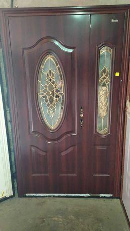 Дверь полуторная металлическая входная