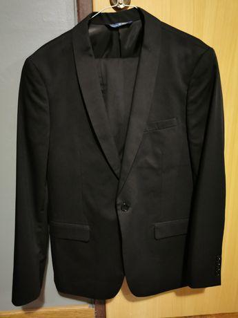Sprzedam garnitur firmy Pawo