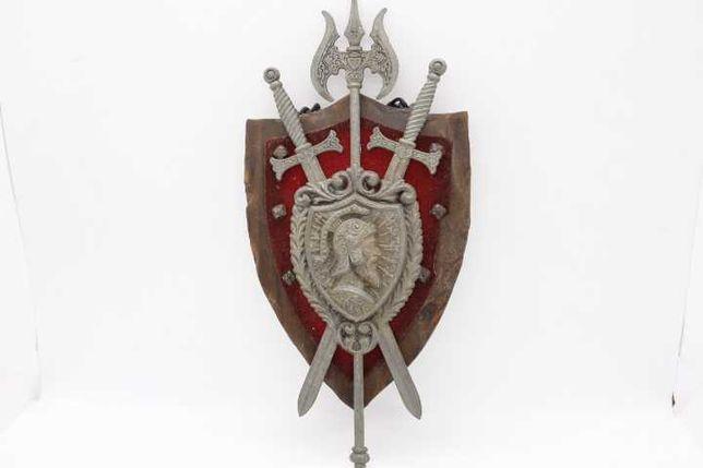 Brasão Medieval 2 espadas cruzadas em Ferro + alabarda madeira 26 cm