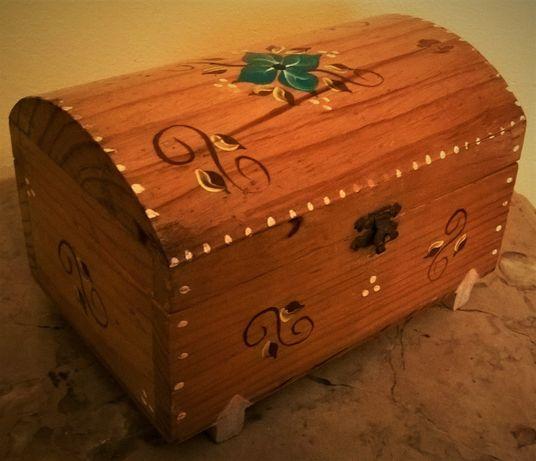 Guarda joias Baú em madeira pintado à mão