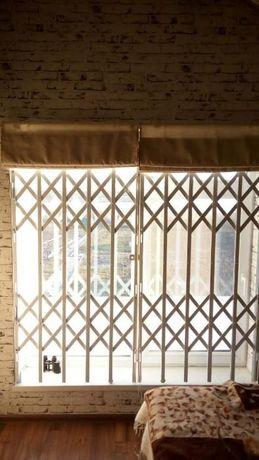 Раздвижные решетки кованые оконные