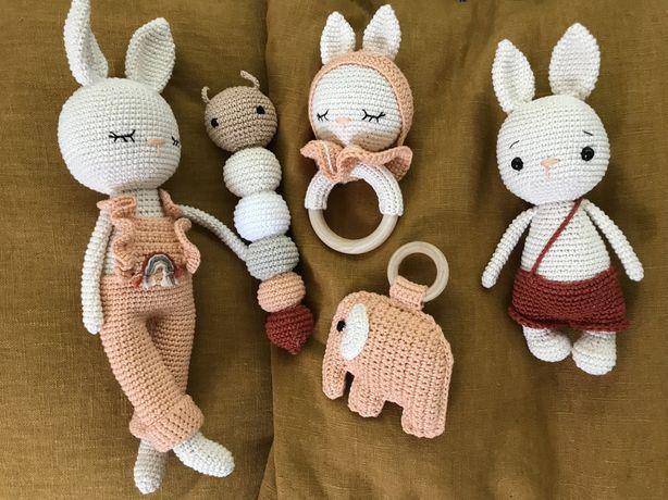 Coelhinha em amigurumi / crochet